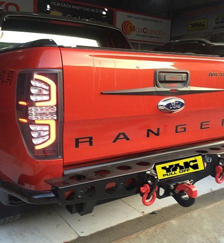 Ốp trang trí cốp sau xe Ford Ranger