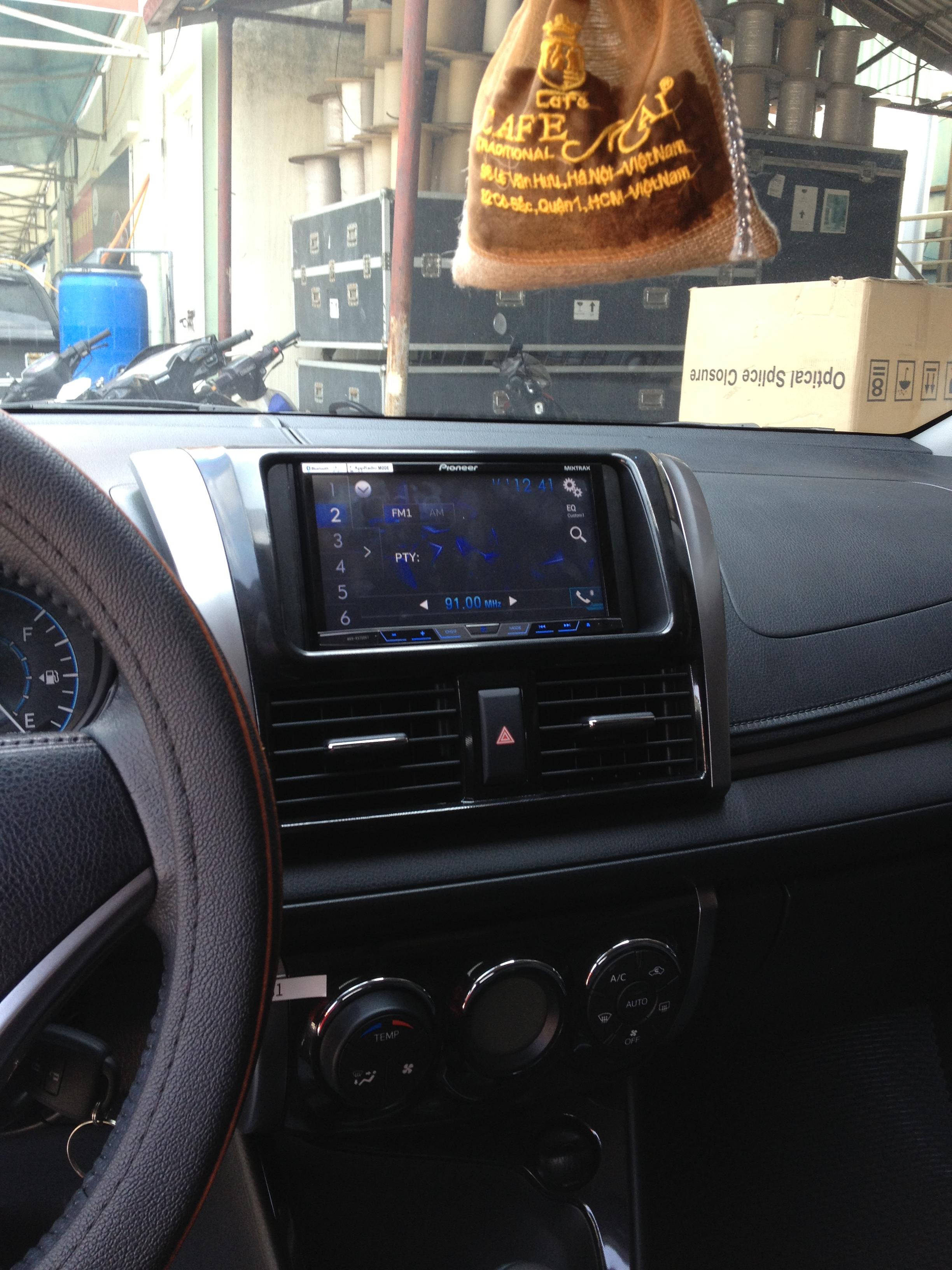 Chuyên Phim cách nhiệt xe ô tô chính hãng tại HNA