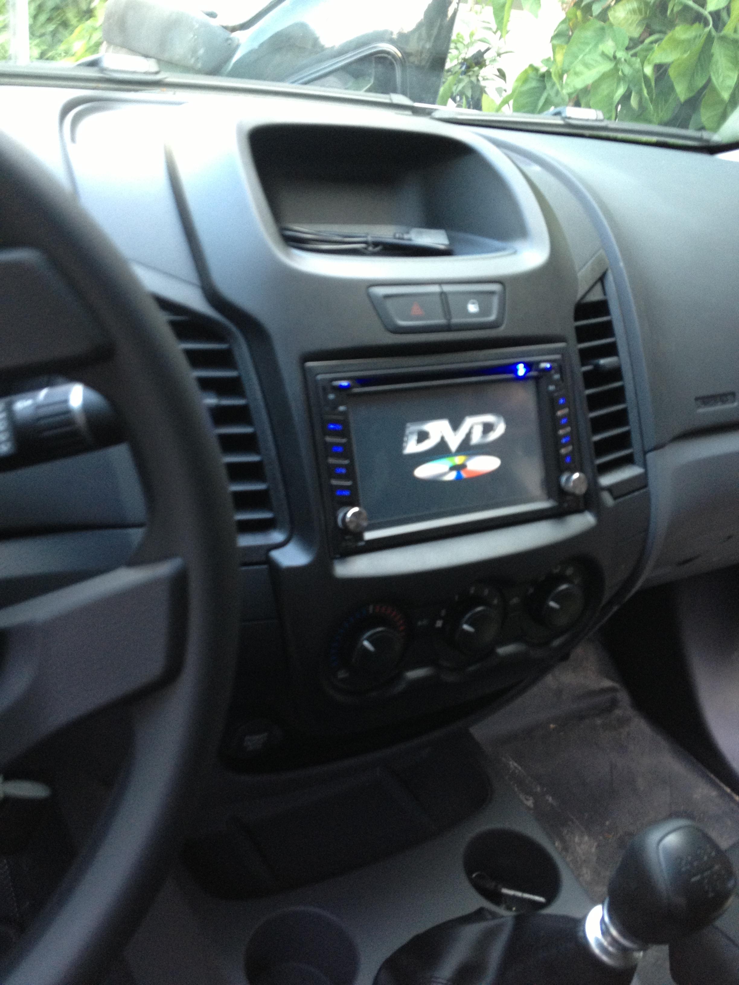 man-hinh-dvd-cho-ford-ranger