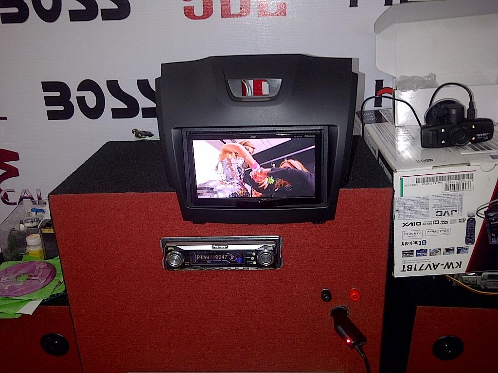 Lụa chọn mua Nắp thùng navara np 300 giá tốt tại HNA
